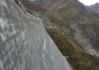 Barrage de la Grande-Dixence : surveillance géodésique