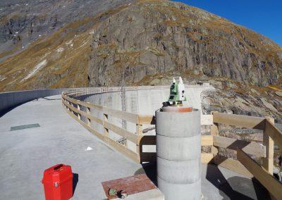 Barrage du Vieux-Emosson : surveillance géodésique